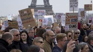 Хиляди европейци също протестираха срещу оръжейното лоби в САЩ