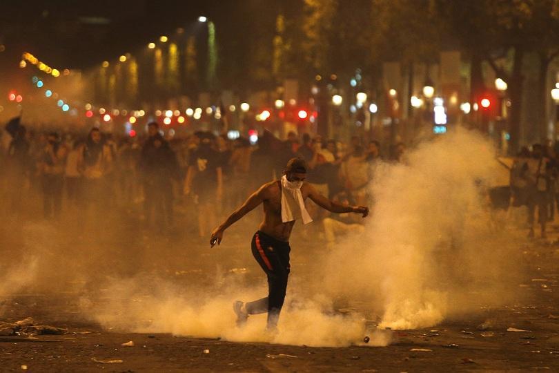 Празненства и сълзи след финала на Световното първенство по футбол