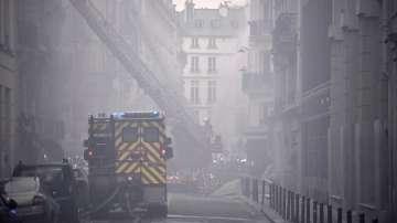 Двама пожарникари са загинали при взрива в Париж