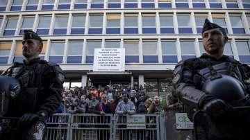 Полицията в Париж осуети акция на нелегални мигранти