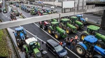 Земеделски производители протестираха с трактори в Париж