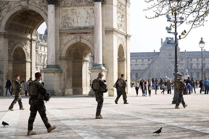 ред антиправителствен протест жълтите жилетки париж