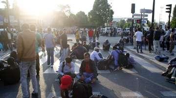 Евакуираха 2 500 мигранти в Париж