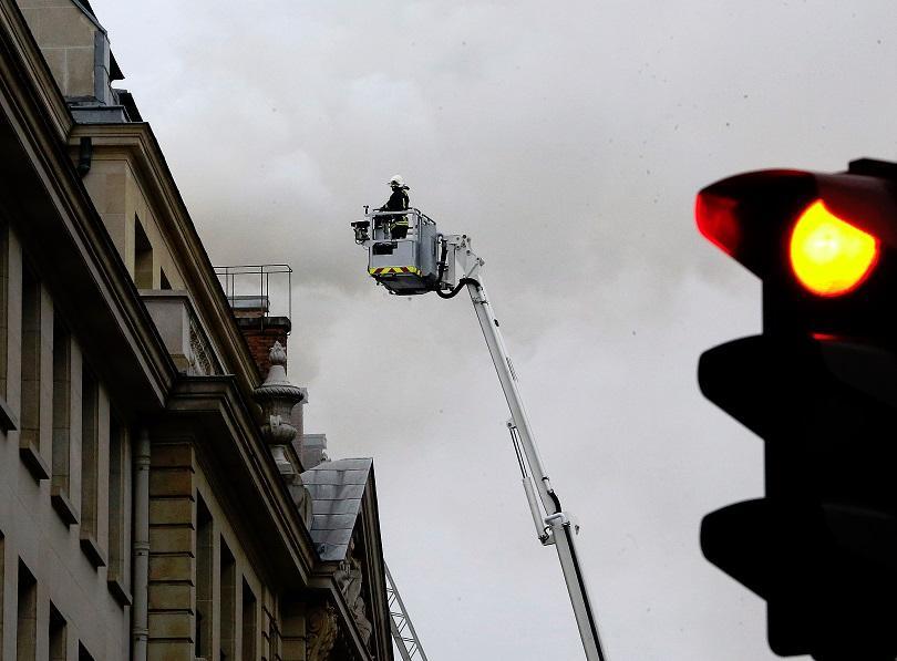 Пожар в известния хотел Риц в Париж