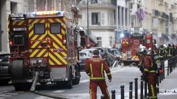 Продължава евакуацията на граждани след експлозията на газ в Париж