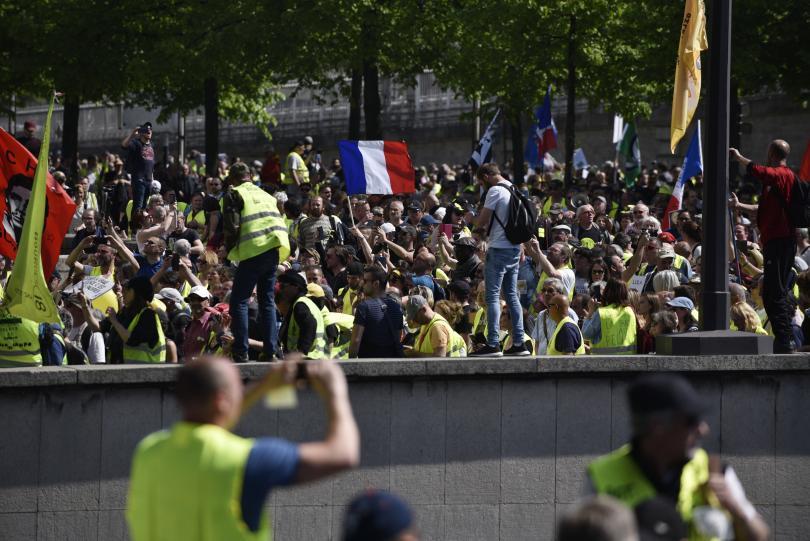 синдикати призоваха всеобща стачка франция