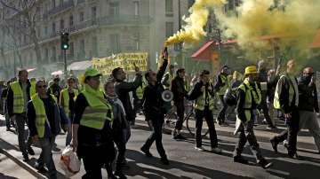 Протест на жълтите жилетки в Париж за 15-и пореден уикенд