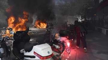 Отново безредици по време на протестите на жълтите жилетки в Париж