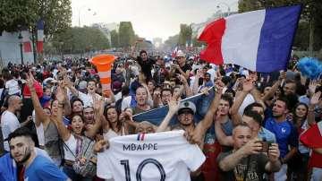 Франция празнува, патриотична гордост в Хърватия