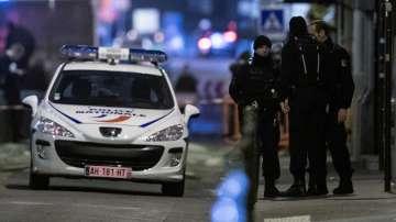 Издирват двама от крадците, обрали магазин за бижута в парижкия хотел Риц