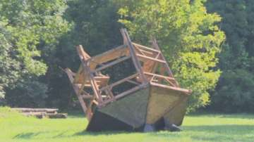 Вандали разрушиха здрави беседки в Западния парк