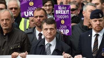 Лидерът на британската Партия на независимостта подаде оставка