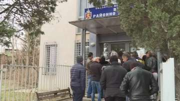 Опашки за нови лични документи се извиха в Благоевград