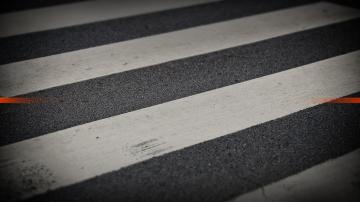 Две жени загинаха, след като бяха блъснати на пешеходна пътека във Варна