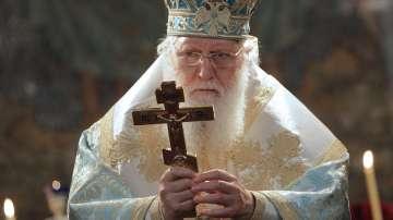Патриарх Неофит вече е изведен от реанимация