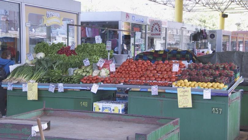 Този август купуваме по-скъпи домати и праскови, показа проверка на