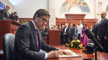 Президентът на Северна Македония събра партийните лидери на среща