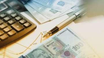 След поправката в Кодекса - как ще се изчисляват пенсиите по двете формули?