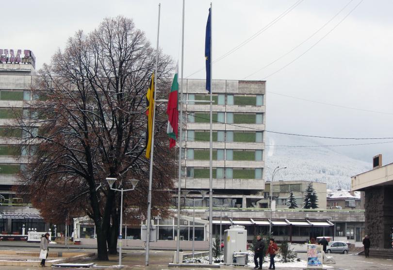 """Запалени електронни платки в района на бившия завод """"Мир"""" станаха"""