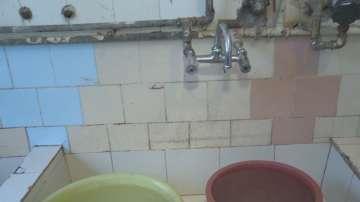 Как в училищата в Перник се справят с режима на водата?
