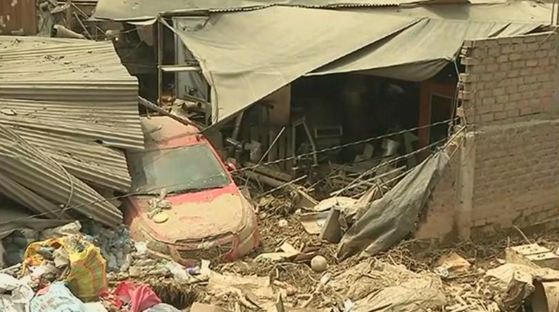 Тежки наводнения в Перу взеха жертви