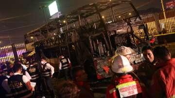 20 души загинаха, след като автобус се запали в Перу