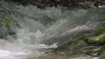 Отложиха спасителната акция в пещерата Изворът на Кипилово заради водна блокада