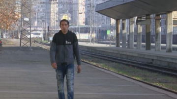 Спасителят от влака Петър Бонев мечтае за дом, работа и повече човечност
