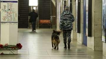 Три спирки на метрото в Санкт Петербург са затворени след анонимен сигнал