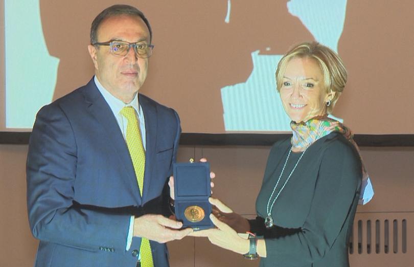 Президентът Петър Стоянов получи наградата за европейски принос на името