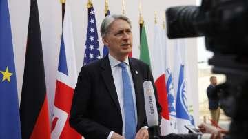 Британският финансов министър ще подаде оставка преди Джонсън да стане премиер