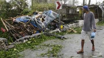 Мощният тайфун Мангхут връхлетя Филипините