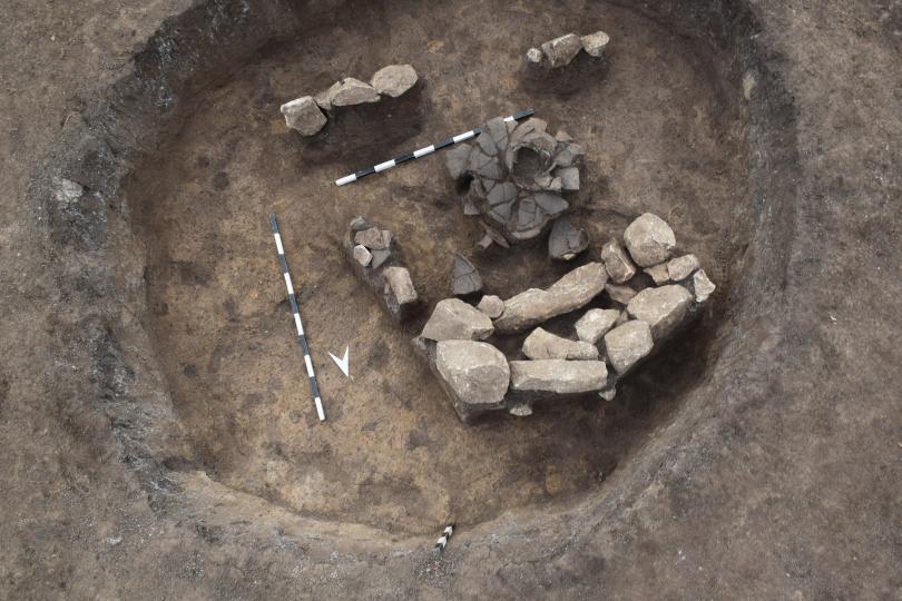 """снимка 3 Българска археология 2019"""" показва находки, открити при строежа на АМ Хемус"""