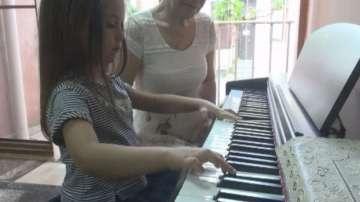 4-годишната пианистка от Бургас ще свири в две от най-прочутите концертни зали