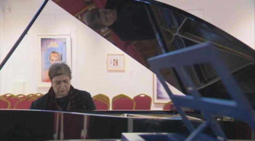 ЕГН-то на българска пианистка изчезна от електронните регистри