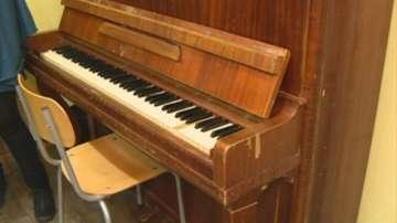 Инструментите в музикалното училище в Русе - стари и амортизирани
