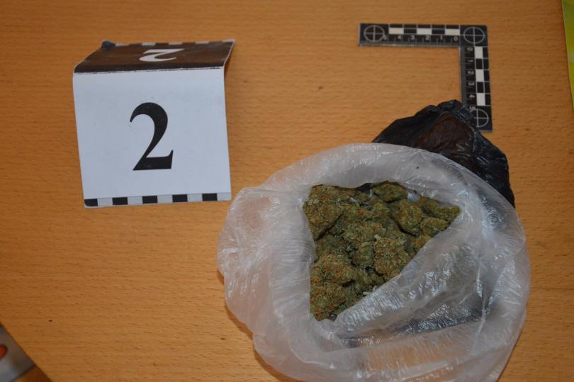 снимка 16 ГДБОП разби организирана престъпна група за наркотици в Бургаско