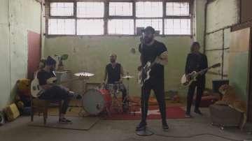 Група P.I.F. създаде песен в подкрепа на хората с множествена склероза