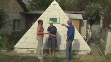 Четириметрови макети на Хеопсовата пирамида във Врачанско