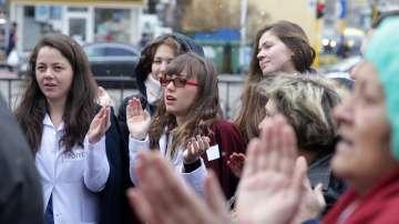 Лекари и медицински сестри от Пирогов излязоха на протест