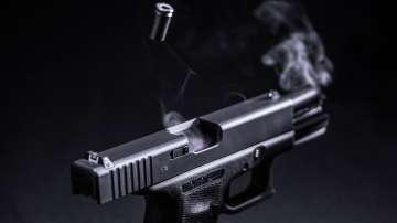Дрогиран шофьор заплаши с пистолет млада жена на пътя