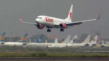 Пътнически самолет се разби в Индонезия