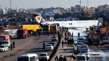 Самолет се приземи върху булевард в Иран