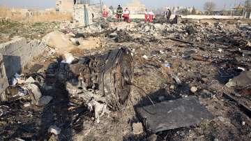 Намерени са черните кутии на катастрофиралия в Иран самолет