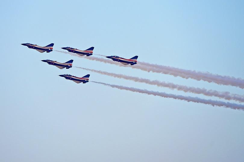 снимка 2 В Дубай започна най-голямото авиоизложение в света