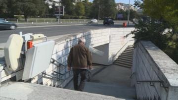 Повечето от платформите за инвалиди във Варна не работят