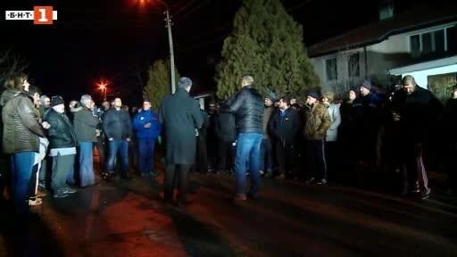 Протестите във Войводиново временно ще бъдат преустановени, докато съдът не