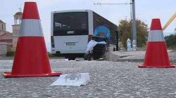 Шофьорът на автобуса, който блъсна майка с количка в Пловдив, остава в ареста