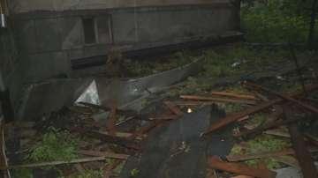 Силна буря отнесе покрива на кооперация в Пловдив