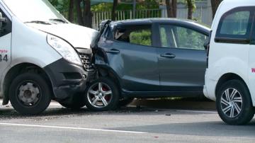 Две жени са откарани в болница след верижна катастрофа в Пловдив